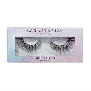 Anastasia Beverly Hills: Norvina False Lashes